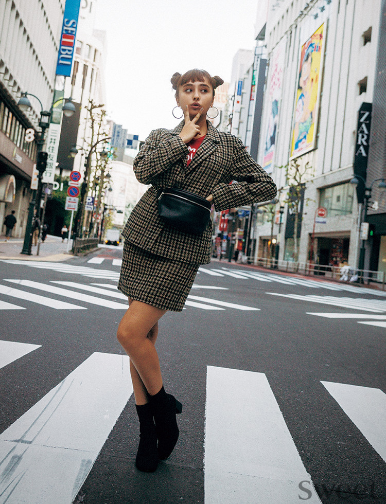 [平成最後の正月コーデに♡]柄ミニスカで仕上げる、ちょいレトロスタイル