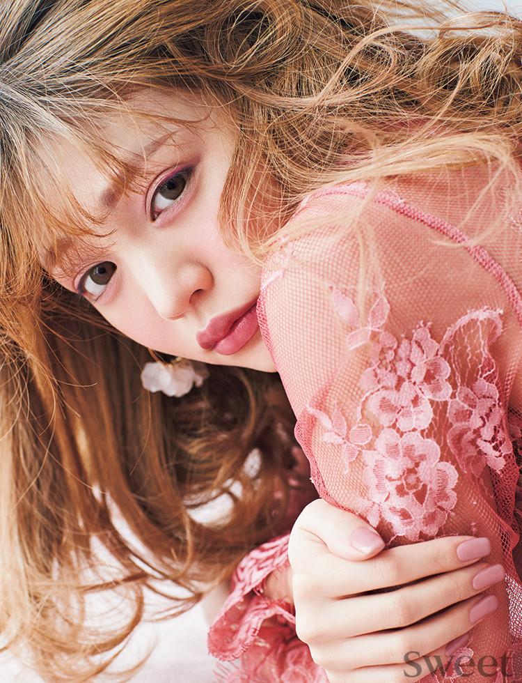 """うっとり""""ロマ顔""""が恋を呼ぶ♡流行ピンクのワントーンメイクHow To"""