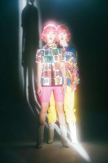 プラダにミュウミュウ!双子モデル・AMIAYAが今気になるファッションをピックアップ♡