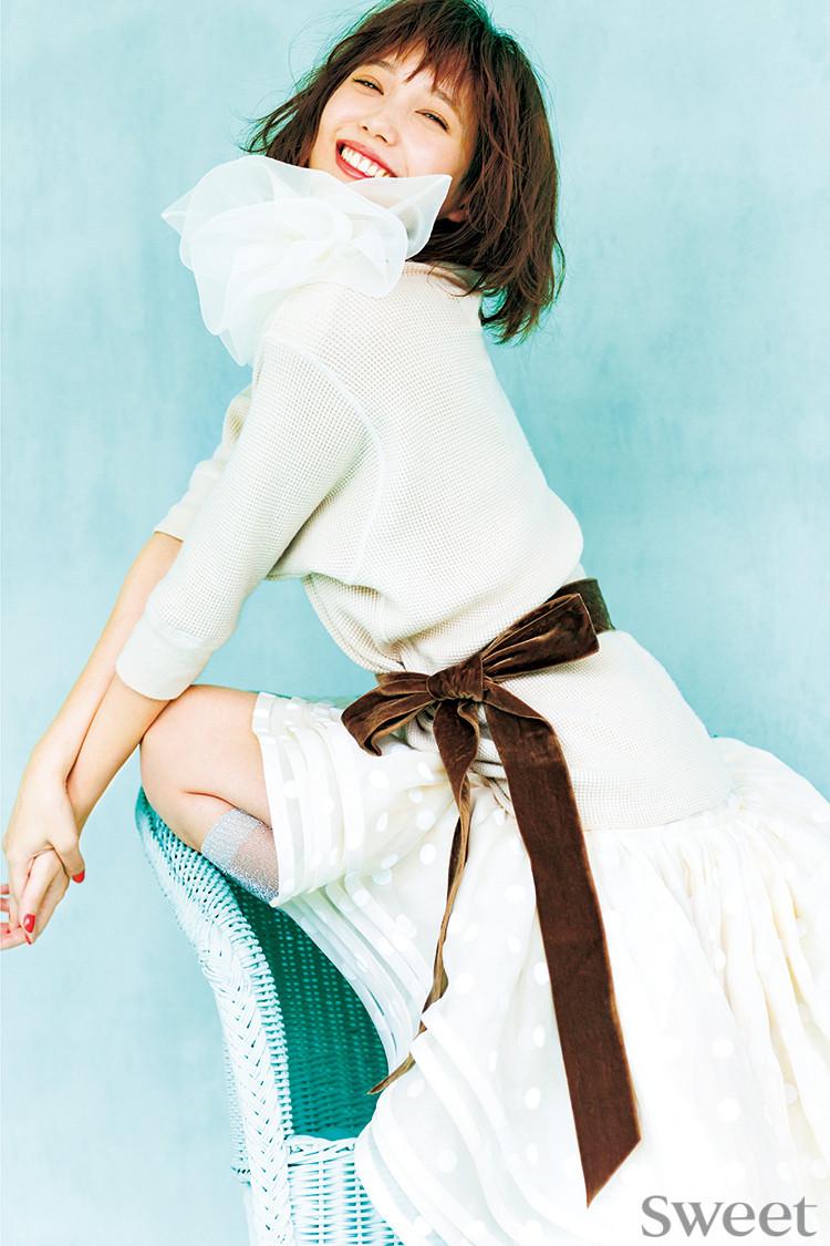 本田翼が魅せる!リボンとビジューアクセで永遠のガーリースタイル♡
