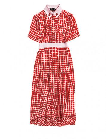 夏を先取り!鮮やかな赤ドレスが目を引く主役コーデ♡