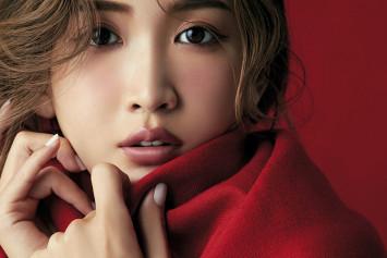 """""""黒モノコスメ""""で手に入れる紗栄子EYE ~欲しかった目元のニュアンス。D-UPが叶えます~"""