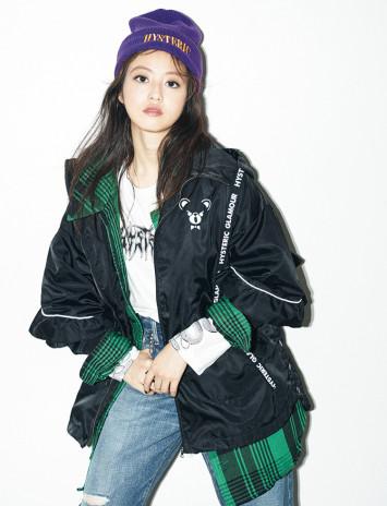 『HYSTERIC GLAMOUR × sweet』コラボアウターを今田美桜が着こなす!