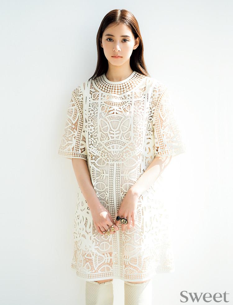 新木優子がItブランドの夢ドレスを圧巻の美しさで着こなす