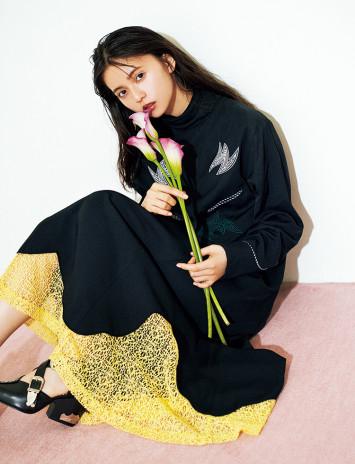 """紗栄子、小嶋陽菜、齋藤飛鳥が""""お気に""""ドレスを披露! 美女はみんな黒が好き!?"""