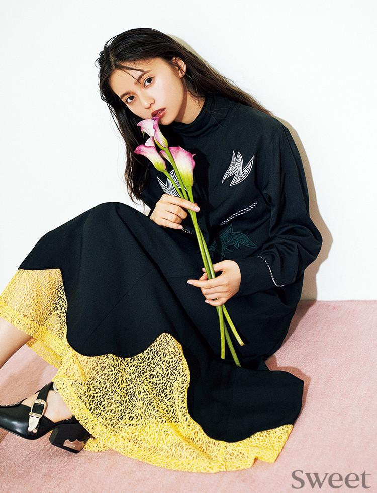 """紗栄子、小嶋陽菜、齋藤飛鳥が""""お気に""""ドレスを披露!美女はみんな黒が好き!?"""