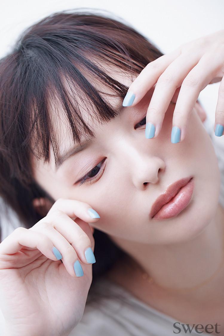 鈴木えみが選ぶ《美人ネイル》 春の新作メイクも披露!