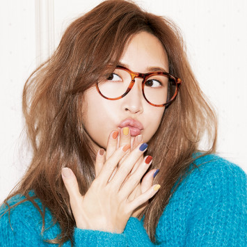 [紗栄子ネイル]シンプルなのに超おしゃれ♡ 色選びのポイントを聞きました!