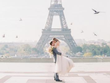 まるでシネマのワンシーン♡ 憧れのパリで叶えるフォトツアーを覗き見!