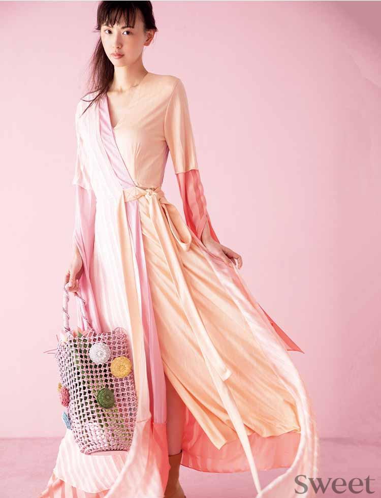 鈴木えみのピンクコーデが可愛すぎて尊い♡ えみちぃが大人ピンクの魅せ方を伝授!