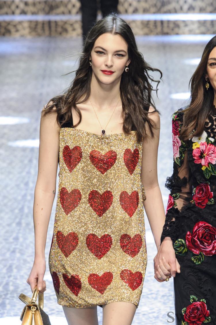 22歳のトップモデル、ヴィットリア・チェレッティが密かにイビザで挙式!