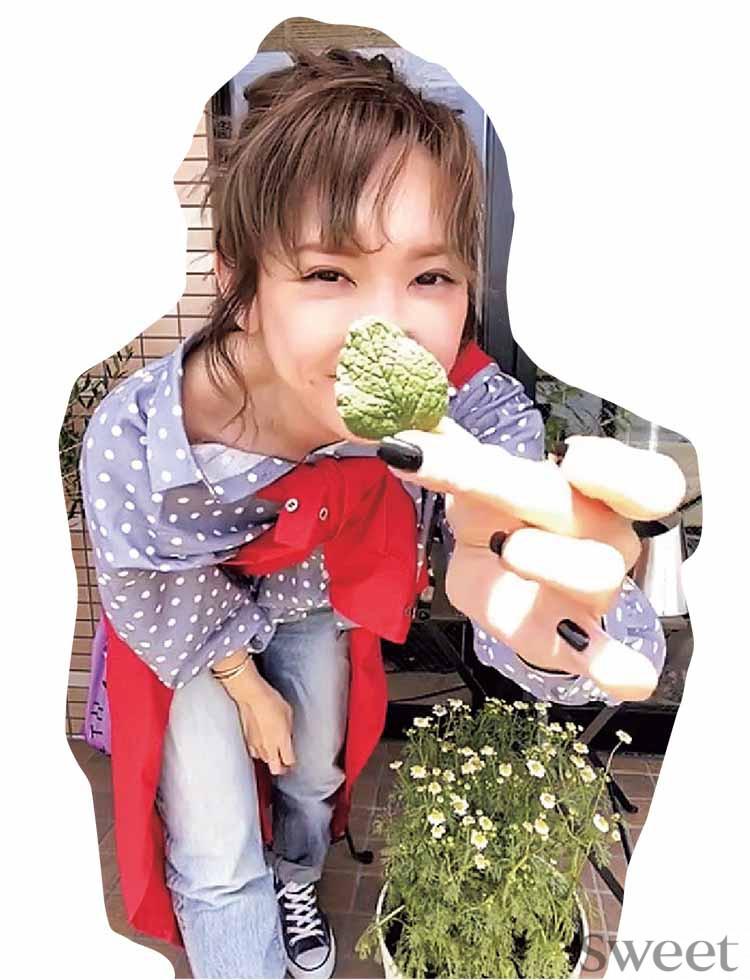 紗栄子、おうち時間の楽しみ方は? <セルフ衣装&メイク>でオンライン撮影にも挑戦!