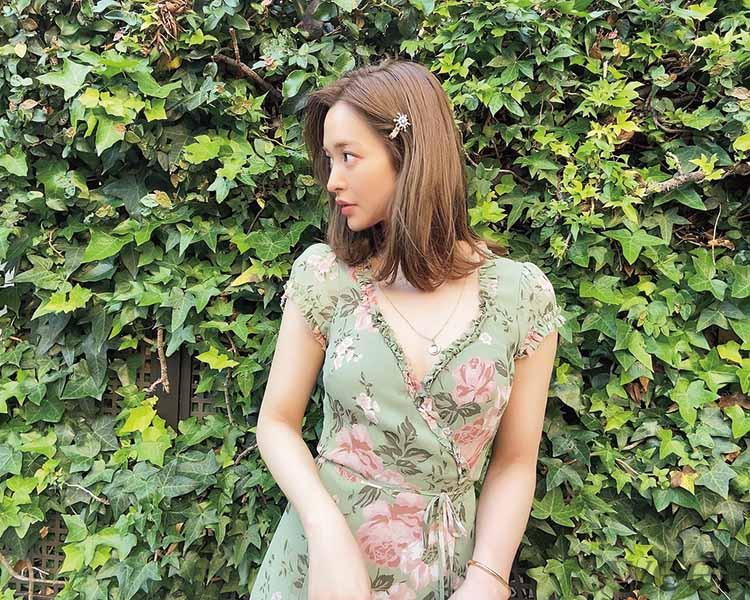 佐藤栞里ほか モデルのお呼ばれコーデを拝見! 夏ドレスはウエストマークで決まり![ZARAほか]