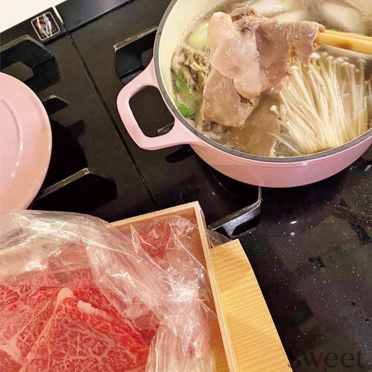 小嶋陽菜のおうち時間┃元AKBメンバーとのZoom会や手料理、愛猫との日々を公開