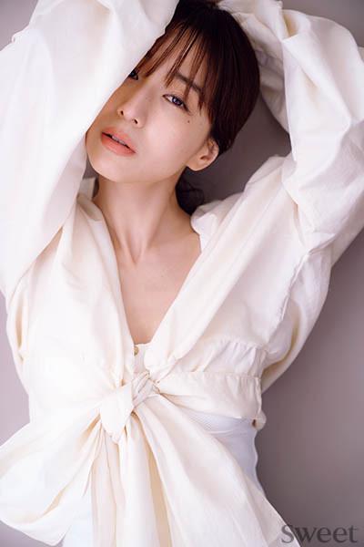 『sweet』8月号増刊付録 田中みな実PHOTO BOOK『minami is...』より