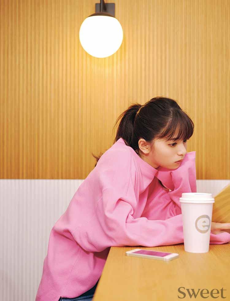 乃木坂46齋藤飛鳥が恋するOLだったら……リアルな妄想と凜々しいOLコーデにドキッ♡