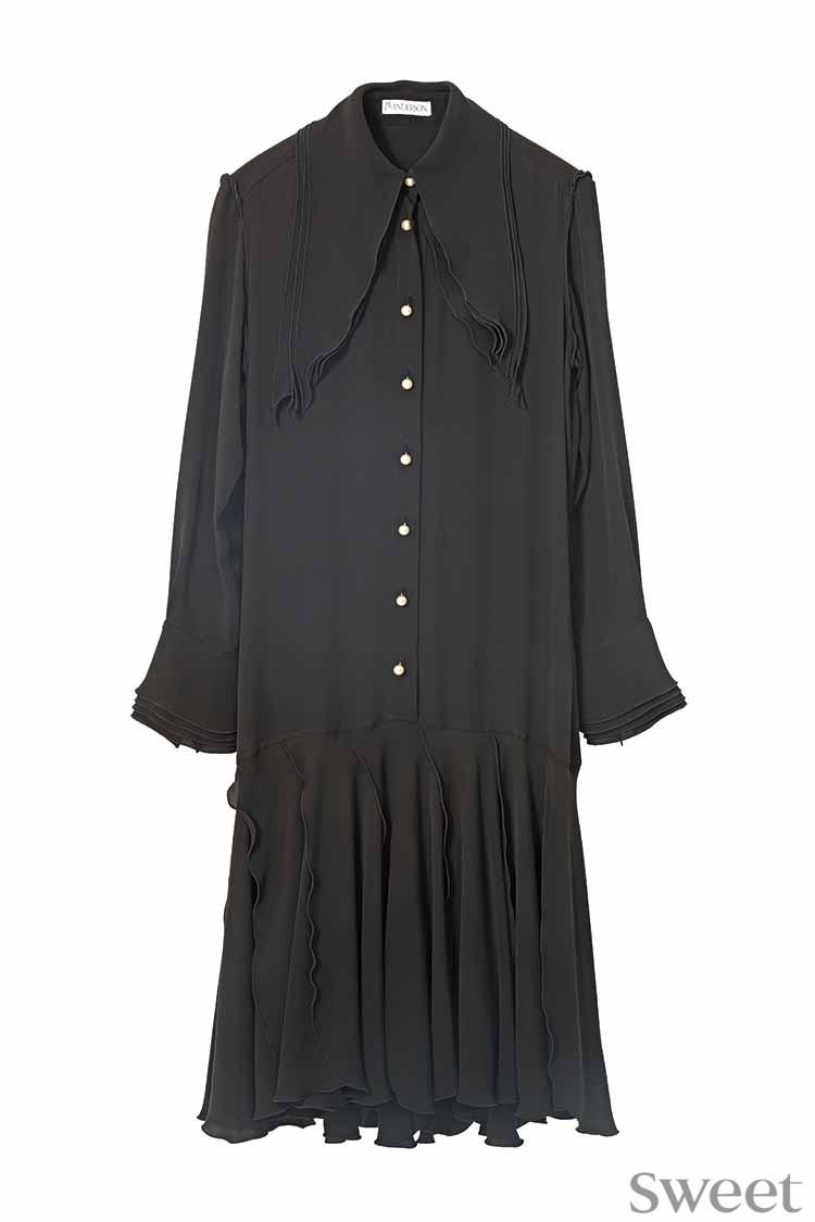 乃木坂46齋藤飛鳥がクールにドレスアップ! ロンドン発ブランドがモダンで可愛い♡