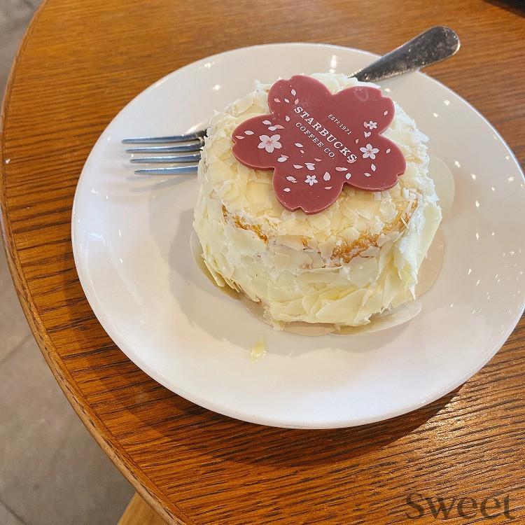 韓国_スタバ_新作_チェリーフォレストケーキ