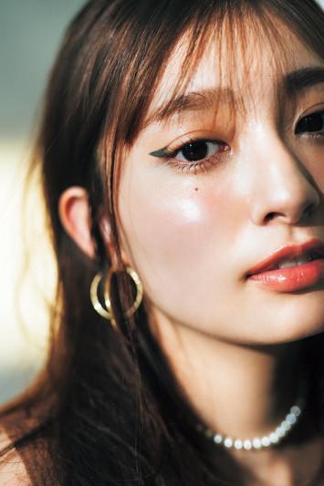 美にまつわる名言と共に。 美しさはパーツに宿る f e a t .吉川 愛(3)