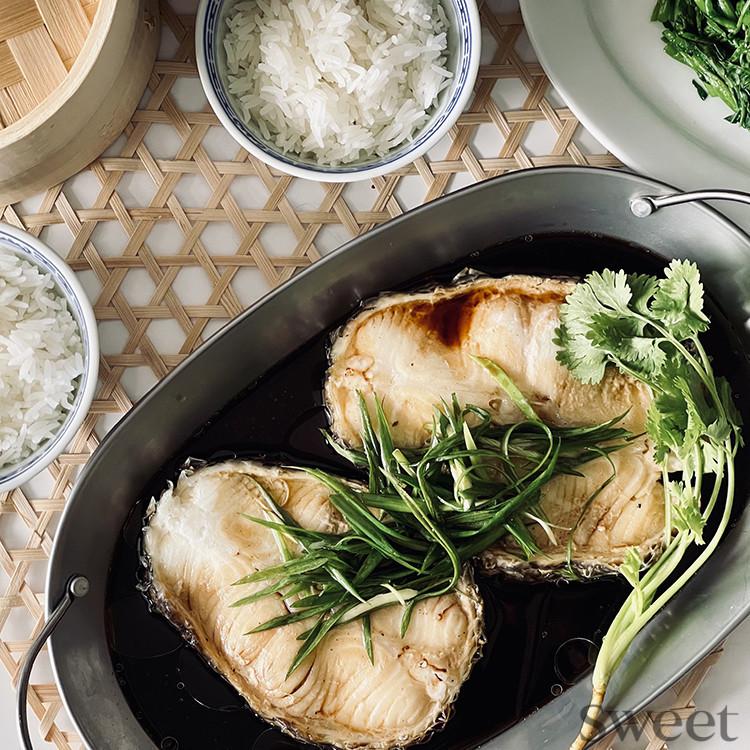 アジアンご飯レシピ(5) レンジで簡単! 香港の蒸し魚「清蒸魚(チンジョンユイ)」